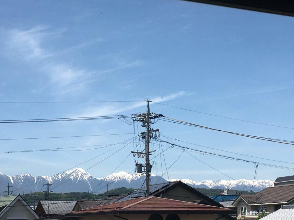松本市 家の窓から見える北アルプス