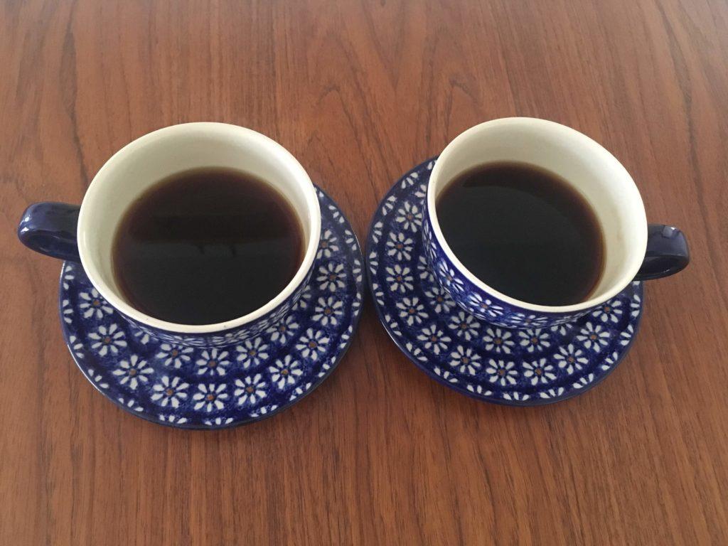 2つのコーヒーカップ