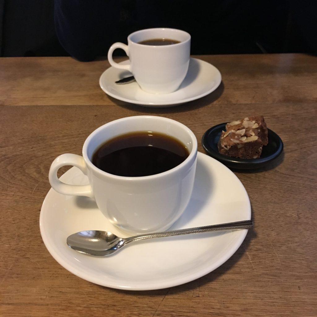 まるものコーヒーとブラウニー