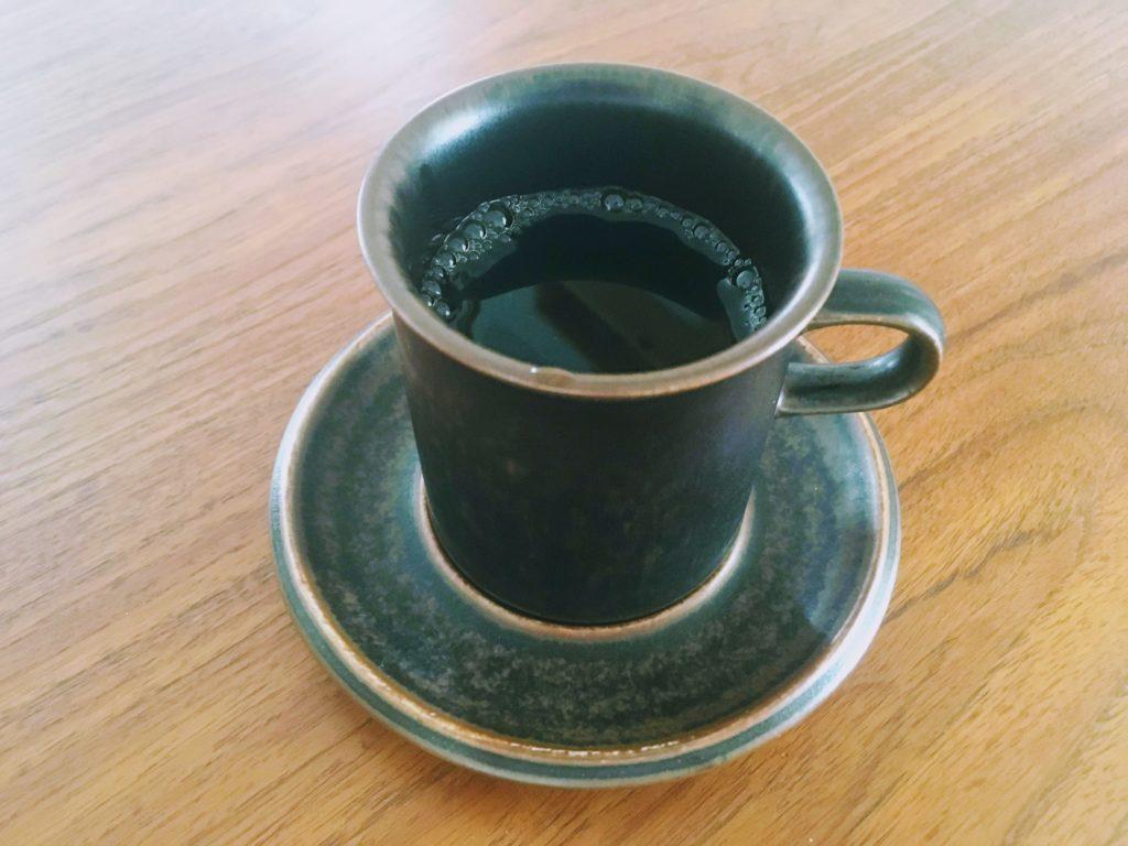 コーヒーカップに入ったおいしいコーヒー