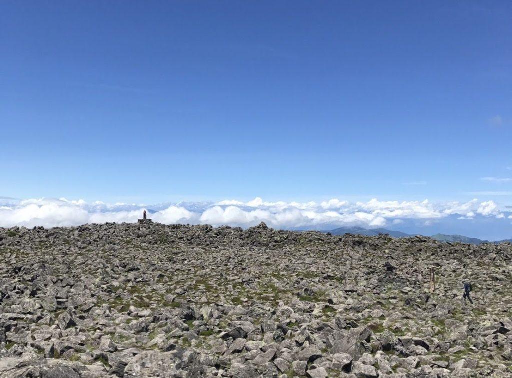 蓼科山の山頂の様子