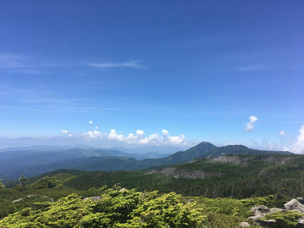 中山展望台から見た蓼科山と北横岳