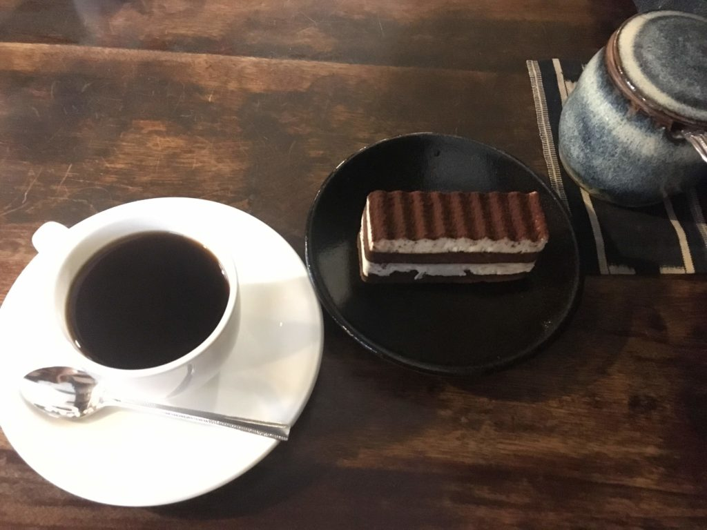 まるものコーヒーとティラミス