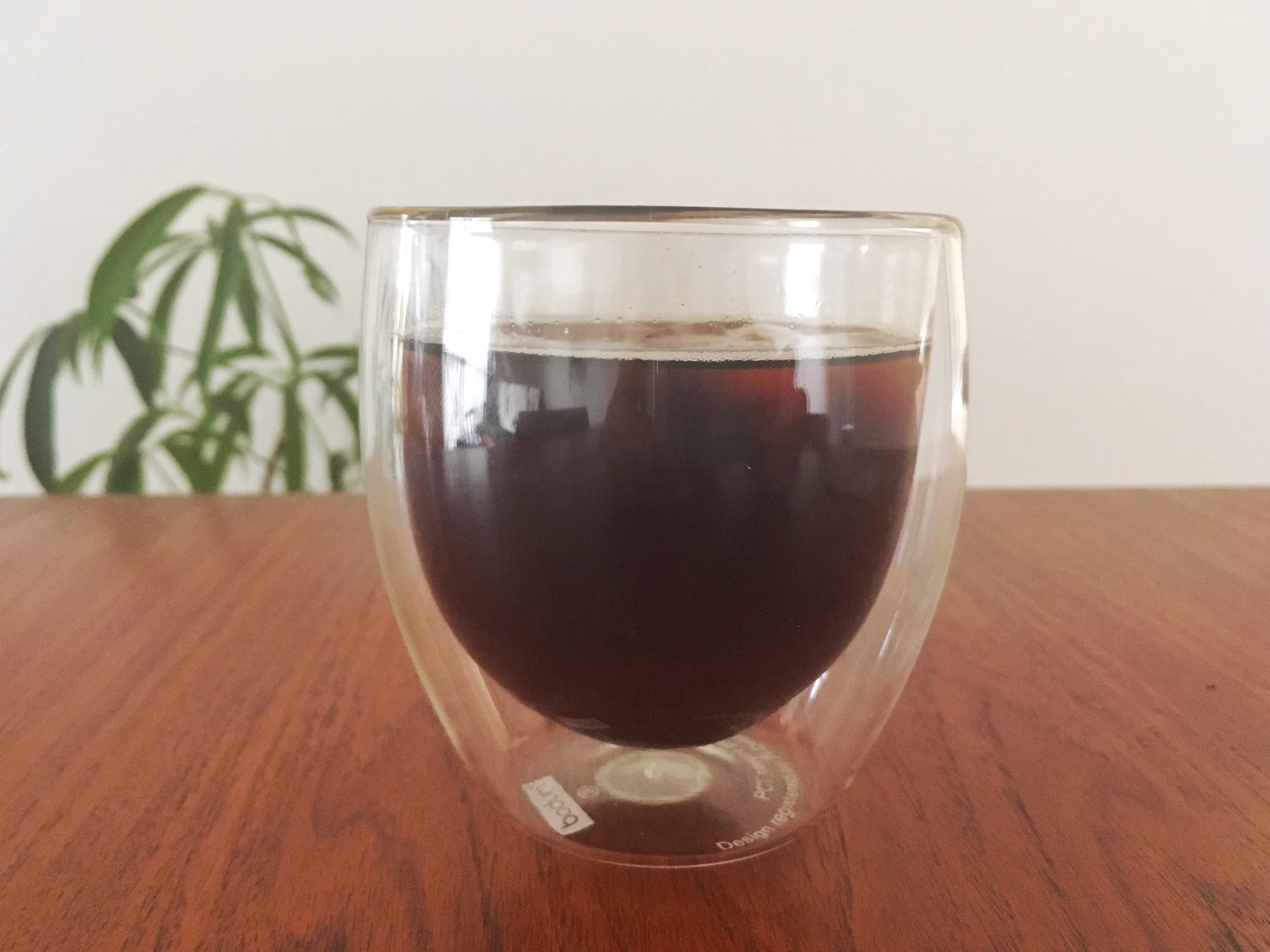 ボダムのグラスに入ったアイスコーヒー