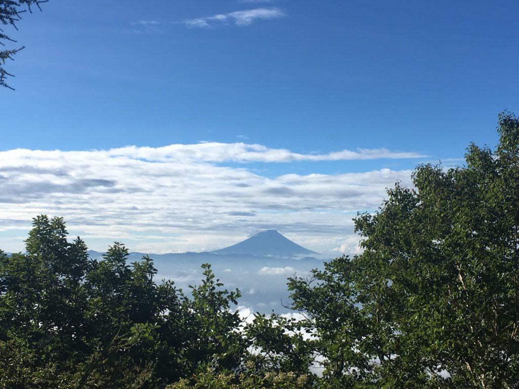 編笠山の途中から見た富士山