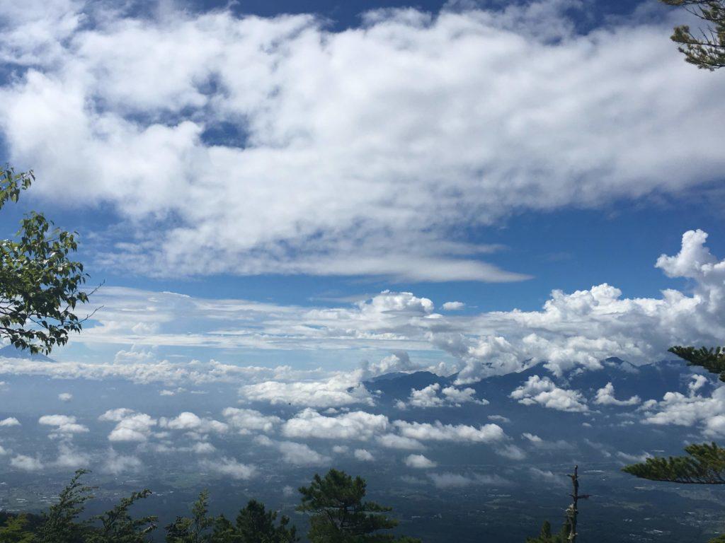 編笠山登山道から見た景色
