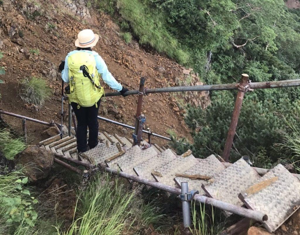 赤岳地蔵の頭ルート階段