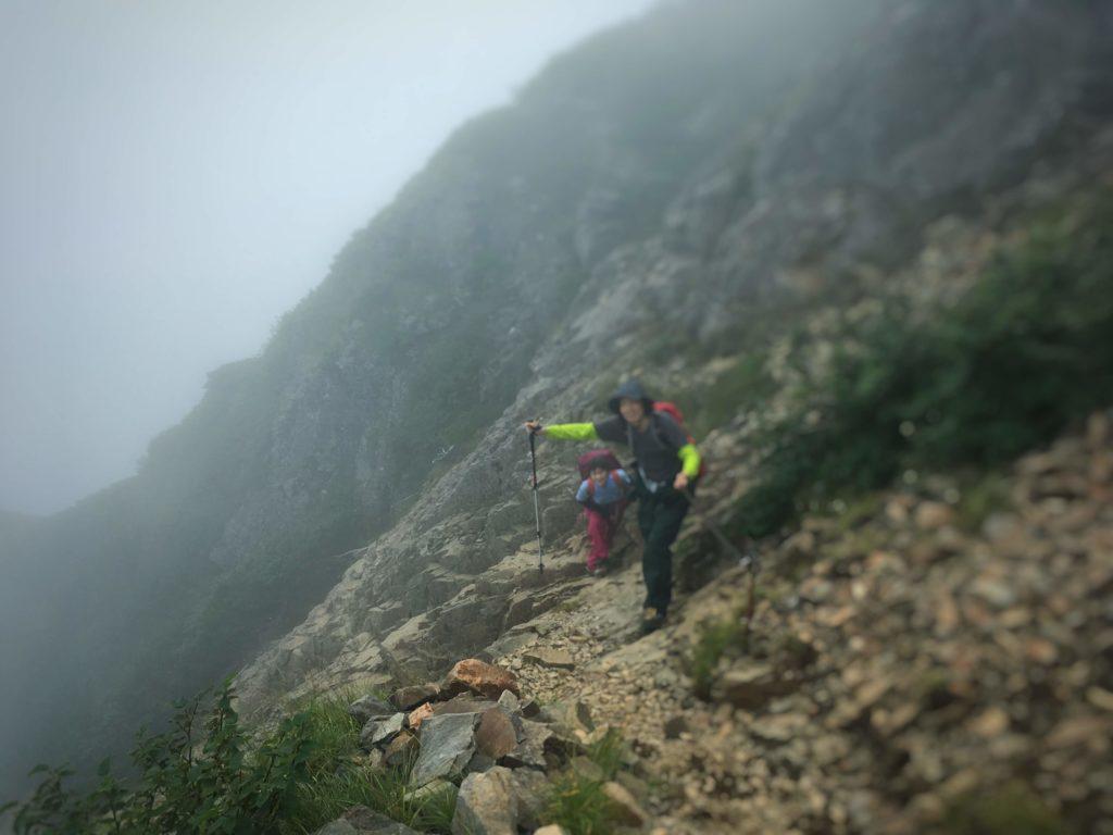 権現小屋手前の登山道