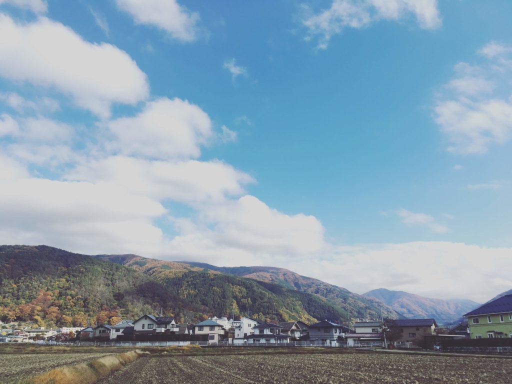 里山辺の秋の風景