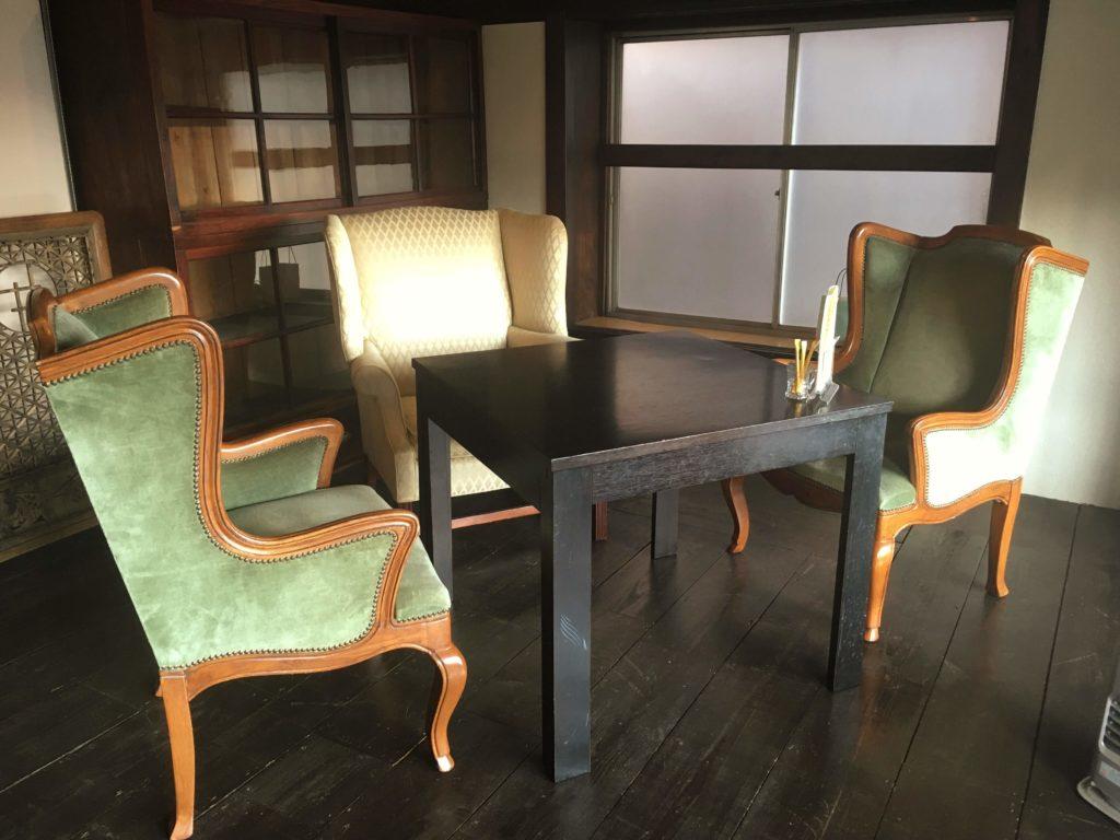 松本のカフェBENCHの2階