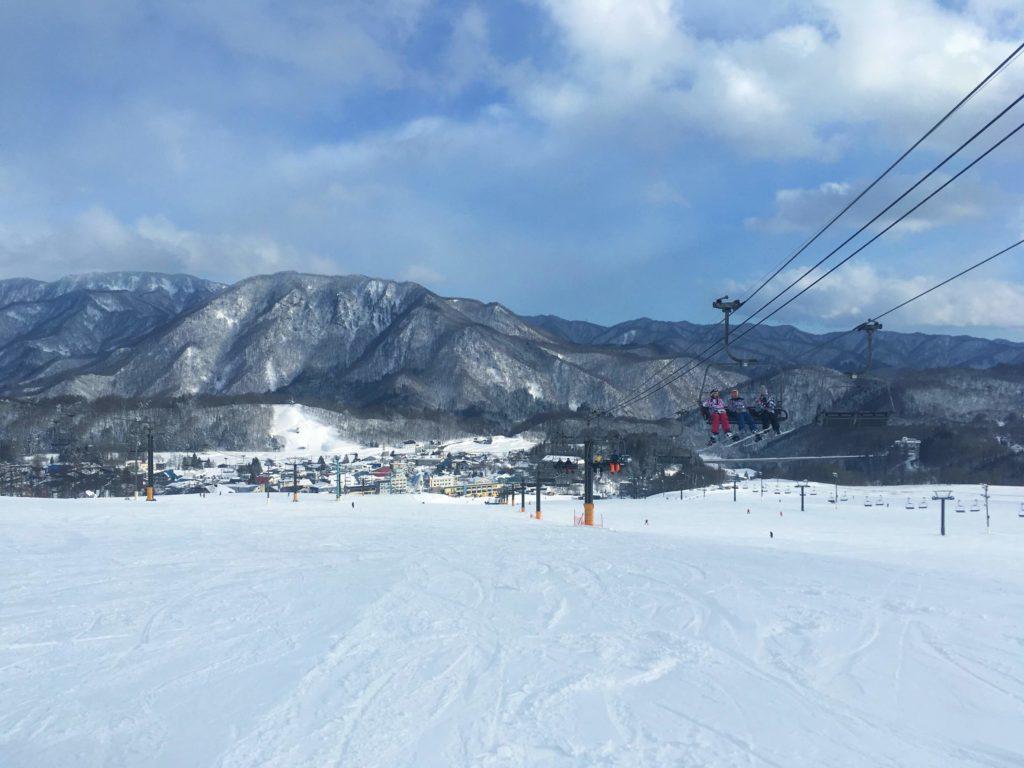 栂池高原スキー場の鐘の鳴る丘ゲレンデ