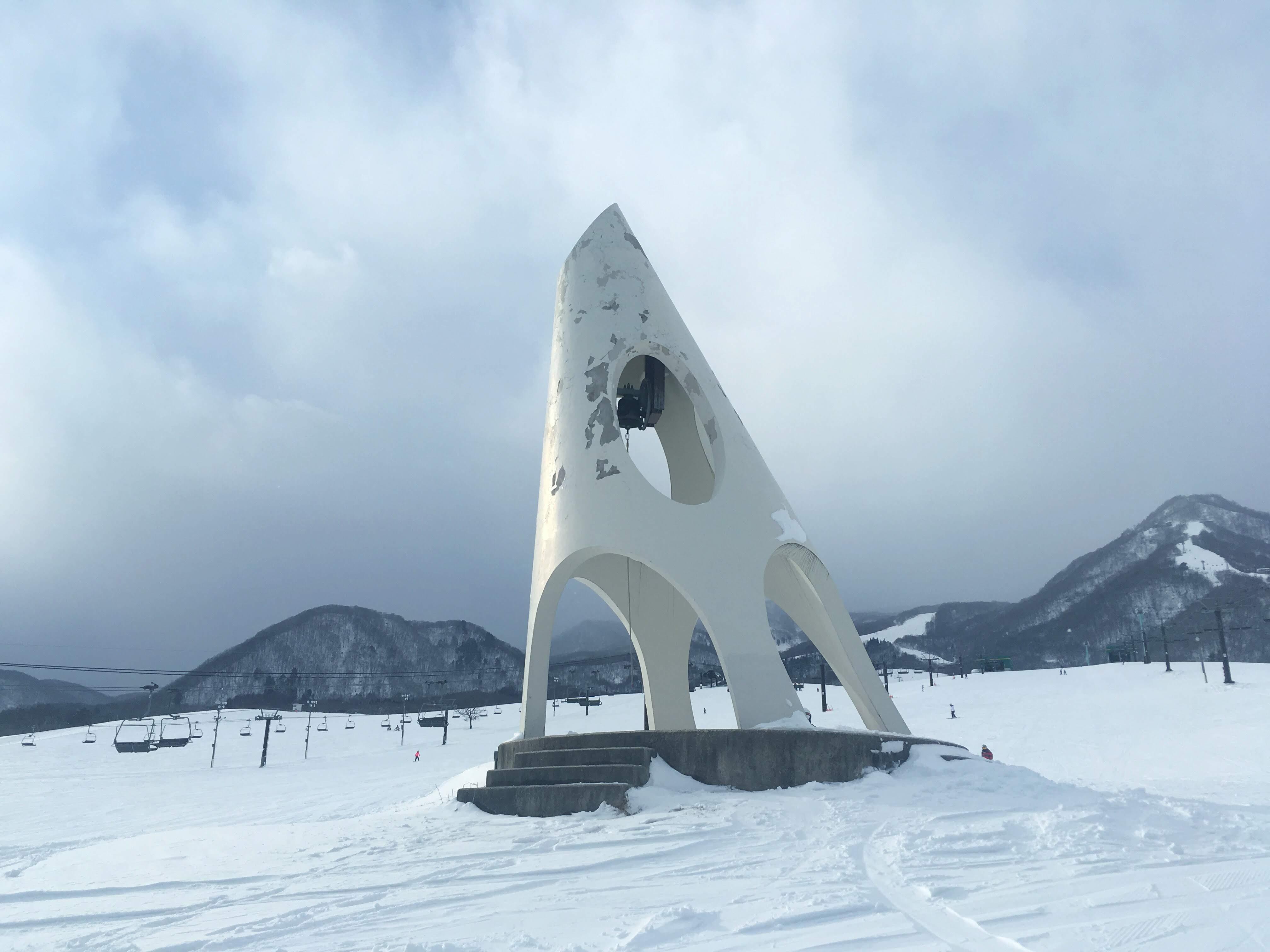 栂池高原スキー場のとんがり帽子の塔