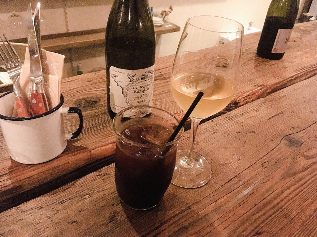 pegのワインとアイスコーヒー